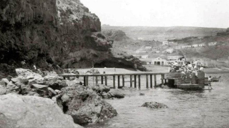 Antiguo embarcadero de Playa de Santiago