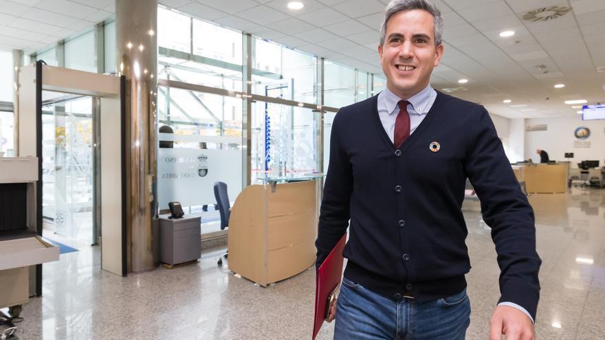 Zuloaga defiende el 'cordón sanitario' a Vox frente a la postura de Revilla