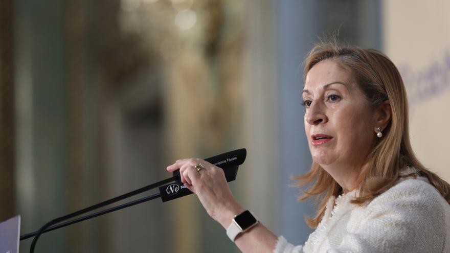 """Ana Pastor asegura que la composición de la Mesa retrató al PSOE: """"Les conviene Vox"""""""