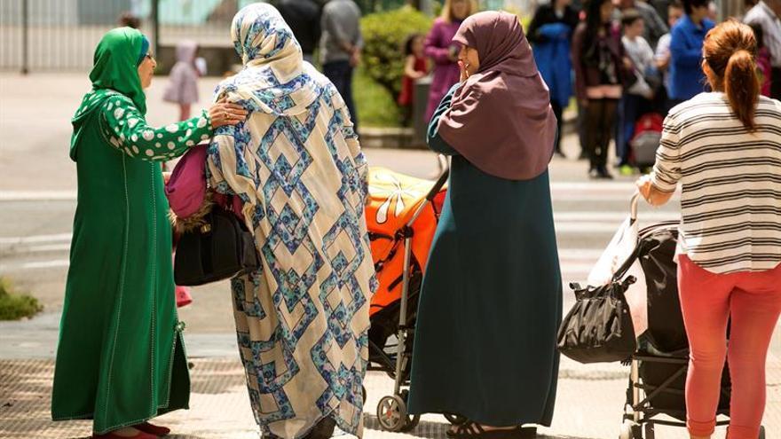 El FN prohibiría el velo islámico en todo el espacio público en Francia