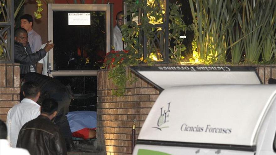 Mueren tres personas asesinadas en un restaurante en el oeste de México