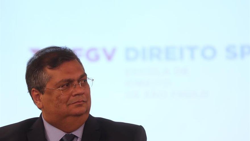 El gobernador del estado de Maranhao (nordeste), Flávio Dino, habla durante una rueda de prensa en Sao Paulo (Brasil).