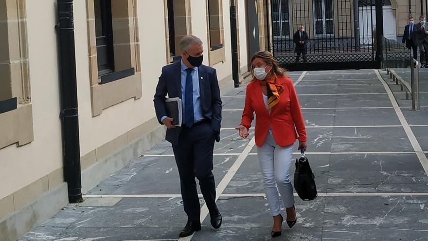 Urkullu y Sagardui, a su llegada al Parlamento este jueves