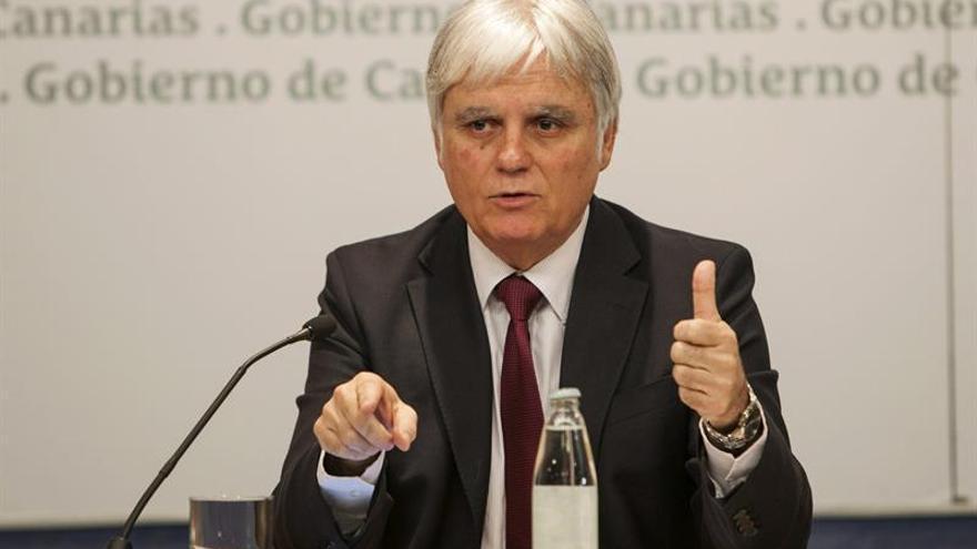 El vicepresidente y consejero de Educación, Universidades y Sostenibilidad del Gobierno de Canarias, José Miguel Pérez EFE/Ángel Medina G.