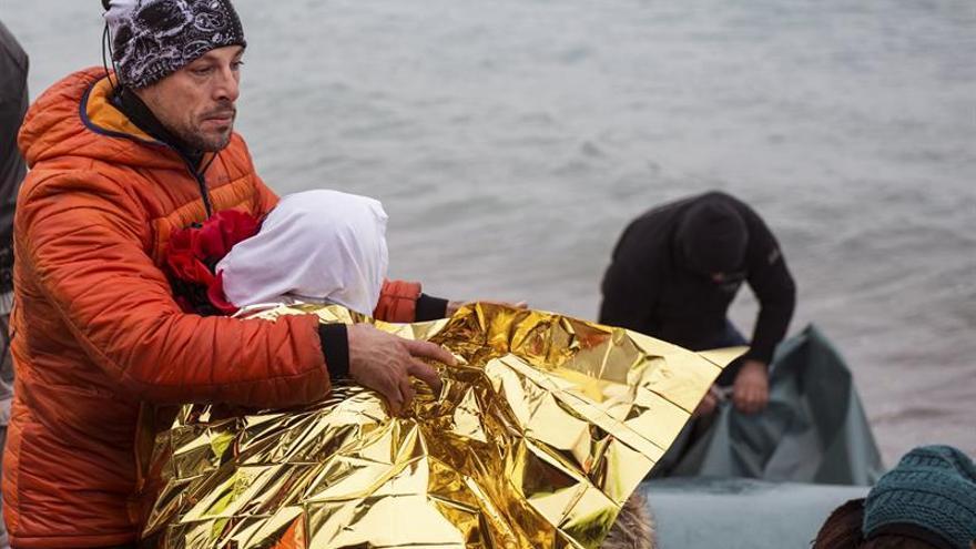 Bomberos sevillanos de ProemAid vuelven a Lesbos para seguir rescatando vidas