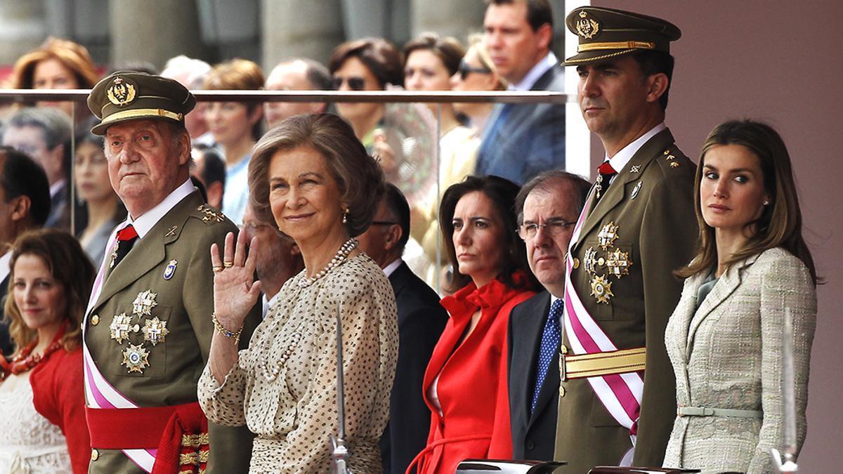 La familia real, en 2012.jpg