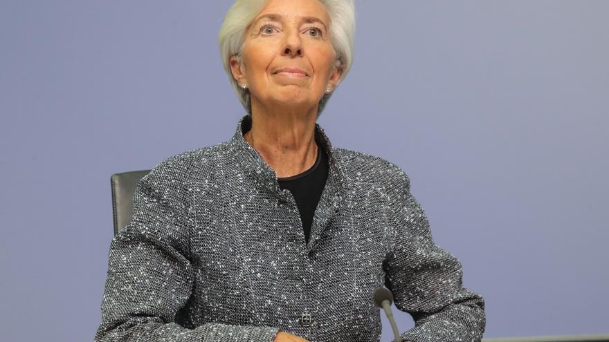 Lagarde cree que la digitalización no va a reducir empleos