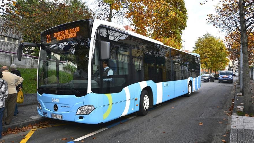 El Ayuntamiento mantendrá en servicio la línea 21 del TUS que da cobertura al Barrio de Tetuán