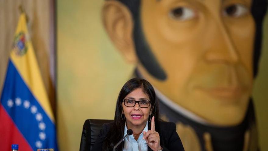 La canciller de Venezuela pide respeto a sus pares de Argentina y Chile