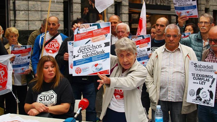 Rosa García Stop Desahucios