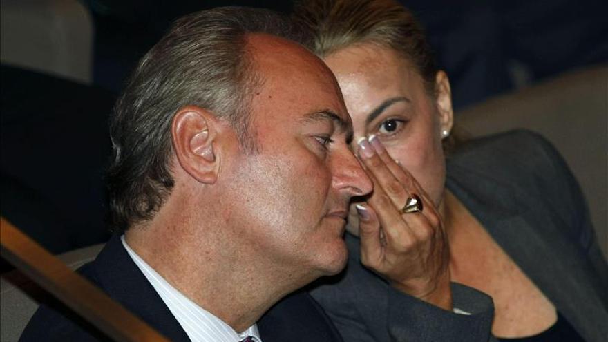 Fabra afirma que el PP ha dicho a Castedo de que no repetirá y ella lo niega