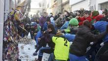 """Piornal estrena a """"nabazo limpio"""" y con nieve la declaración nacional de su Jarramplas"""