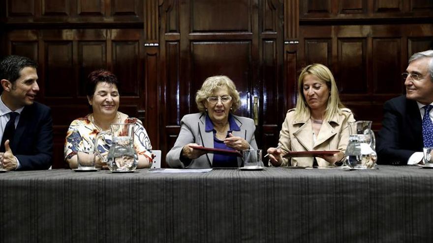 """Carmena reivindica que su sucesor no sea un """"político profesional"""""""