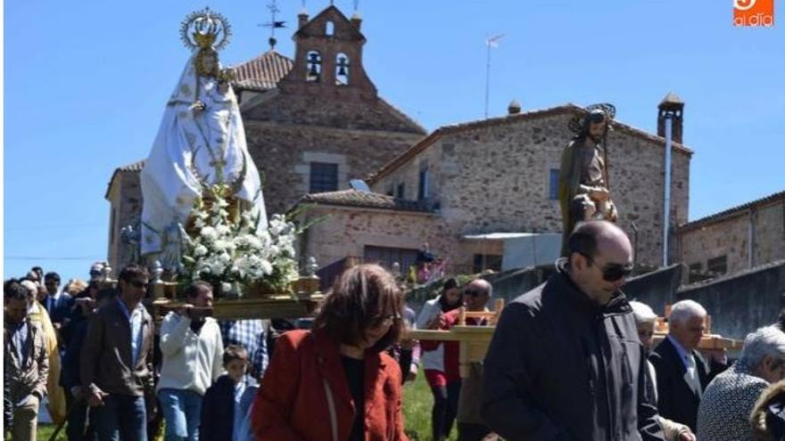 Captura de Salamanca RTV de la romería de la Virgen de Valdejimena