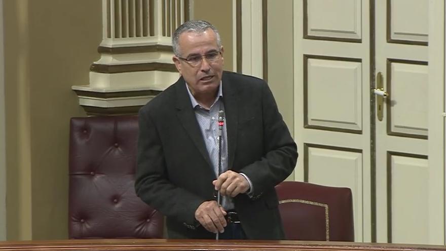 Mario Cabrera en el Parlamento de Canarias