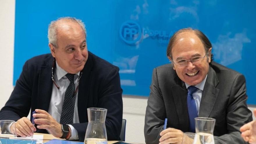 El presidente del PP de Madrid, Pío García Escudero, y el secretario general Juan Carlos Vera. / PP de Madrid