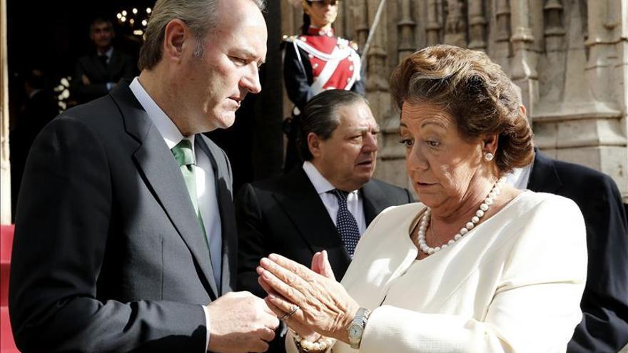 La exalcaldesa de Valencia, Rita Barberá, junto al expresident Alberto Fabra