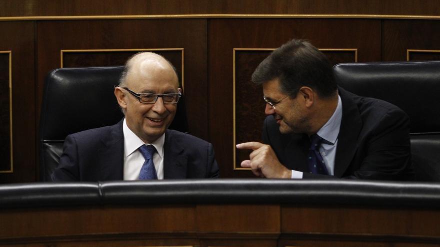 Robles quiere que Rajoy explique al Congreso si piensa mantener a Catalá y Montoro, pese a haber sido reprobados