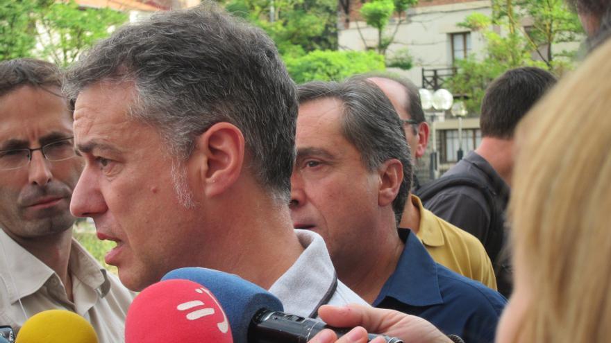 Urkullu responde a Ares que debe informar sobre las reuniones mantenidas con el PNV sobre el estado de las Cuentas