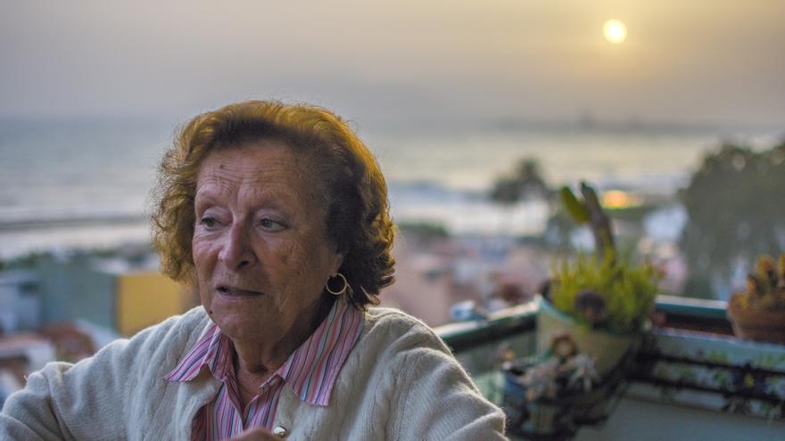 Toti Vega, en la terraza de su casa en Málaga   Foto: Miguel Heredia