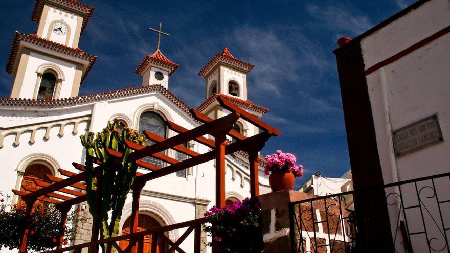 Iglesia del Socorro en el casco del pueblo de Tejeda, Gran Canaria. VIAJAR AHORA