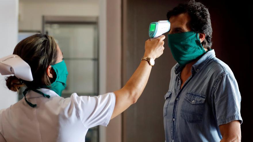 Aumentan en Cuba los casos importados de covid-19 en las últimas semanas