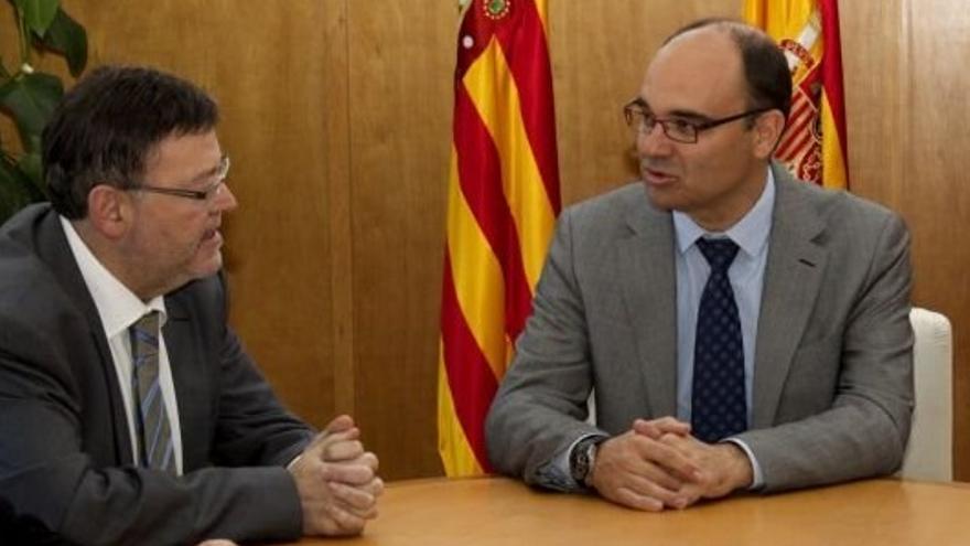 Ximo Puig con Manuel Palomar, rector de la Universidad de Alicante.