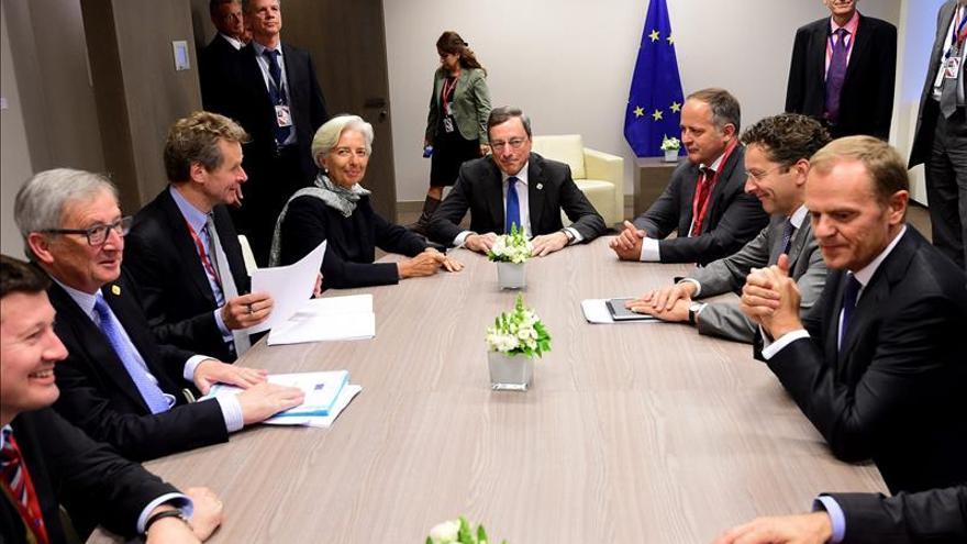 El Eurogrupo tratará de pactar un acuerdo político con Grecia
