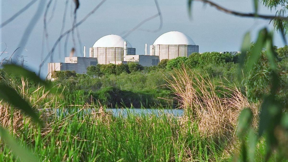Exterior de la Central Nuclear de Almaraz