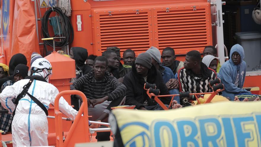 Rescatadas durante la noche 65 personas en tres pateras al sur de Gran Canaria