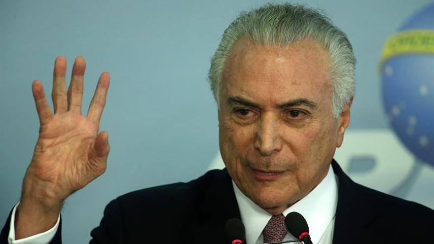 Temer pide fomentar la cooperación entre los países de lengua portuguesa