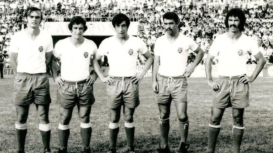 Delantera presentada el 19 de noviembre de 1972 por el CD Tenerife con Felipe, Bergara, Cantudo, Jorge y Medina.