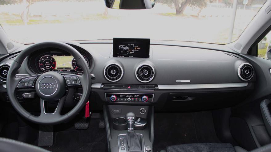A bordo el conductor del Audi A3 es donde notará cambios más significativos.