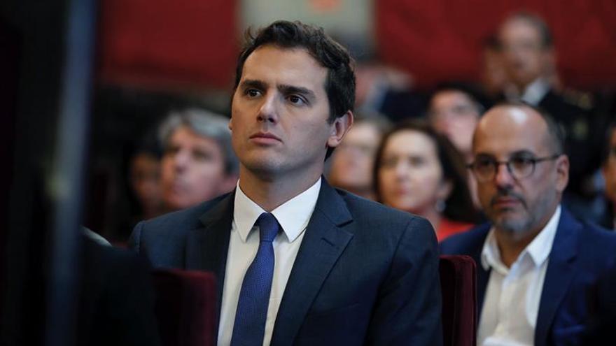 Rivera exige a Iglesias obligue a los suyos sumarse a oposición en Parlament