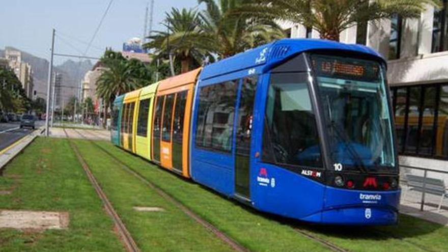 La huelga de los trabajadores del Tranvía de Tenerife continúa este lunes