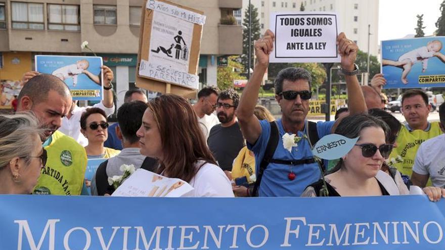 La expareja de Juana Rivas llega al juzgado y reitera el acuerdo para ver a sus hijos