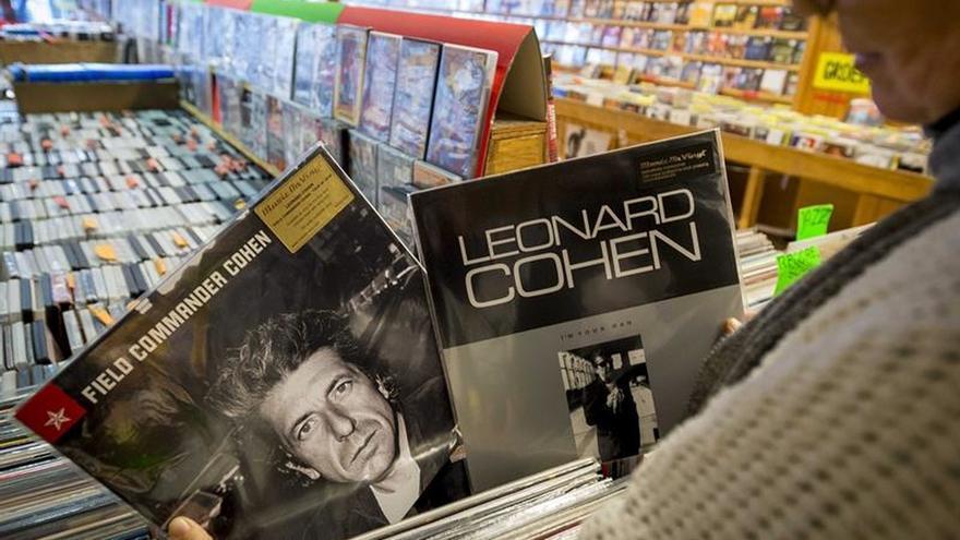 Méndez de Vigo lamenta el fallecimiento de Francisco Nieva y Leonard Cohen