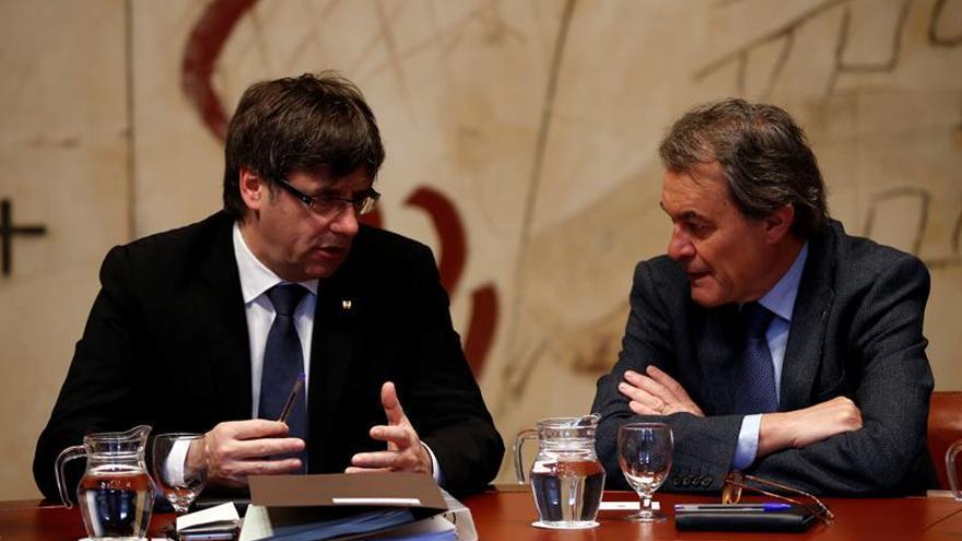 La Mesa del Senado estudiará la petición de Puigdemont para hablar del referéndum