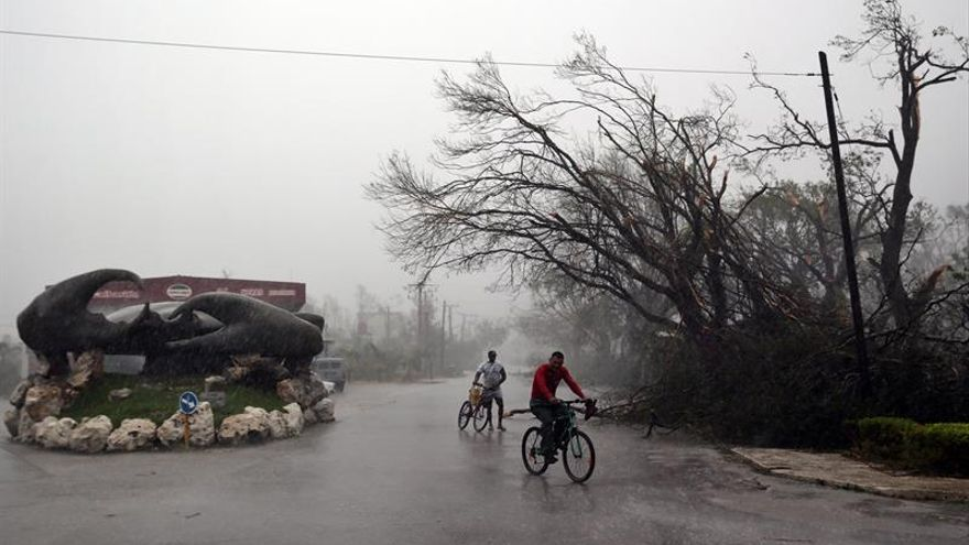 """Destrozos causados por el """"Irma"""" a su paso por Cuba."""