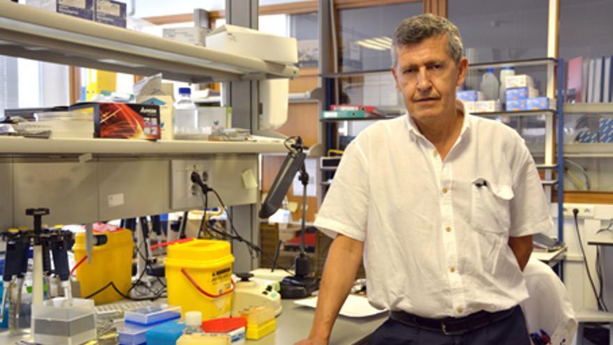 El investigador Julio Vázquez al ser nombrado director del CNM / ISCIII.