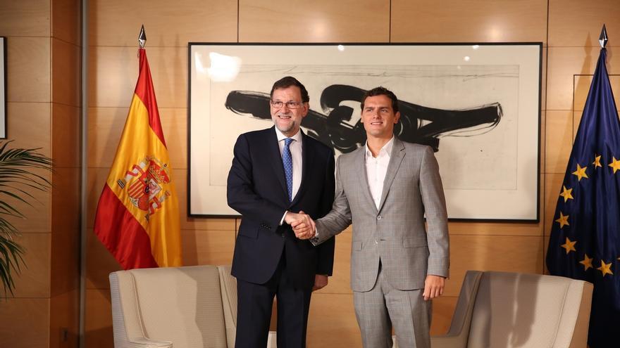 Rivera abre la puerta a la abstención en la investidura de Rajoy y ofrece una actitud dialogante en la legislatura