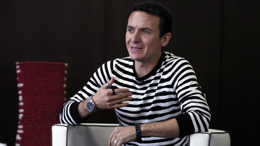 """Fonseca publica """"Tú 1ero"""", un sencillo sobre el primer paso en el amor"""