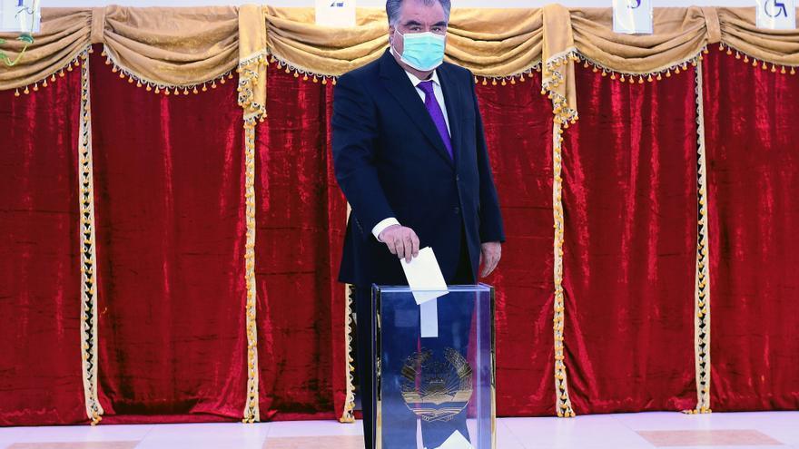 Rajmón busca un quinto mandato en elecciones presidenciales tayikas