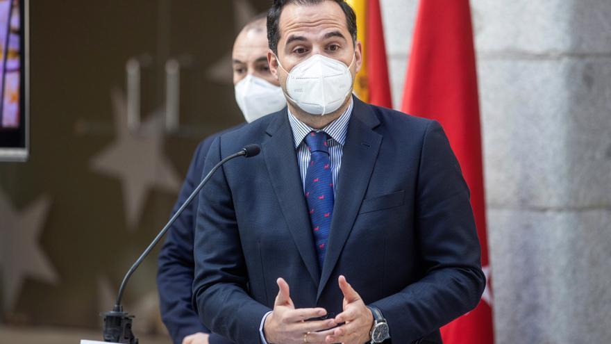 Aguado pide a Sánchez la dispensación libre de los test antigénicos