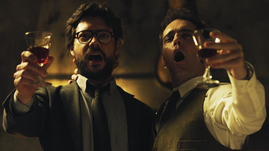 Álvaro Morte y Pedro Alonso en 'La casa de papel'