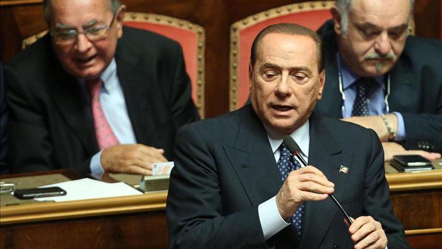 Berlusconi deja el Gobierno Letta antes de su expulsión del Senado italiano