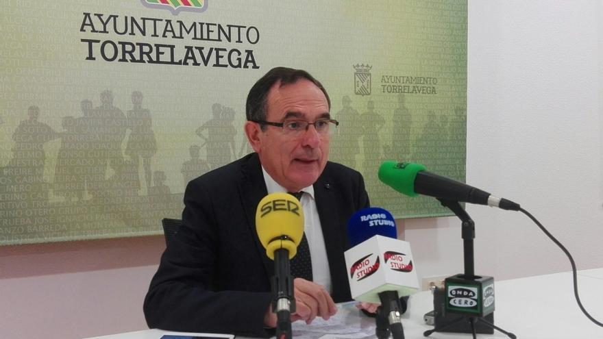 """El alcalde acusa a Rajoy de dar """"la espalda"""" a la ciudad al """"negarse a colaborar"""" con la Turbera"""