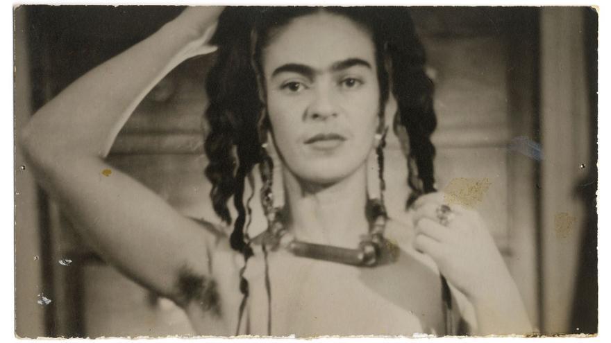 Retrato de Frida Kahlo tomado en Nueva York por Julien Levy