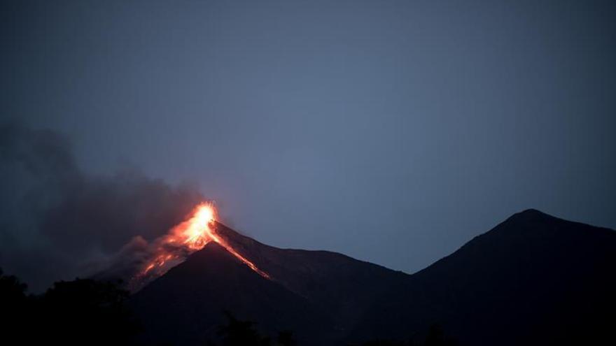 Vanuatu alerta del aumento en la actividad de cuatro volcanes