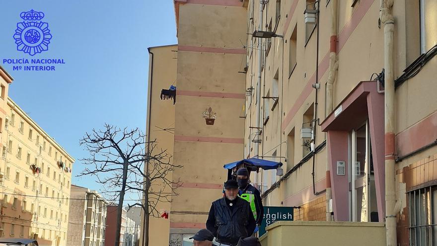 La Policía Nacional elimina un punto negro de venta de cocaína en Santander tras detener a sus dos responsables